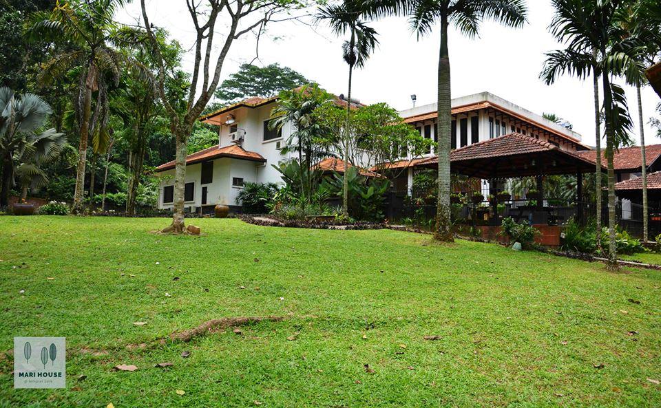 mari house1.jpg