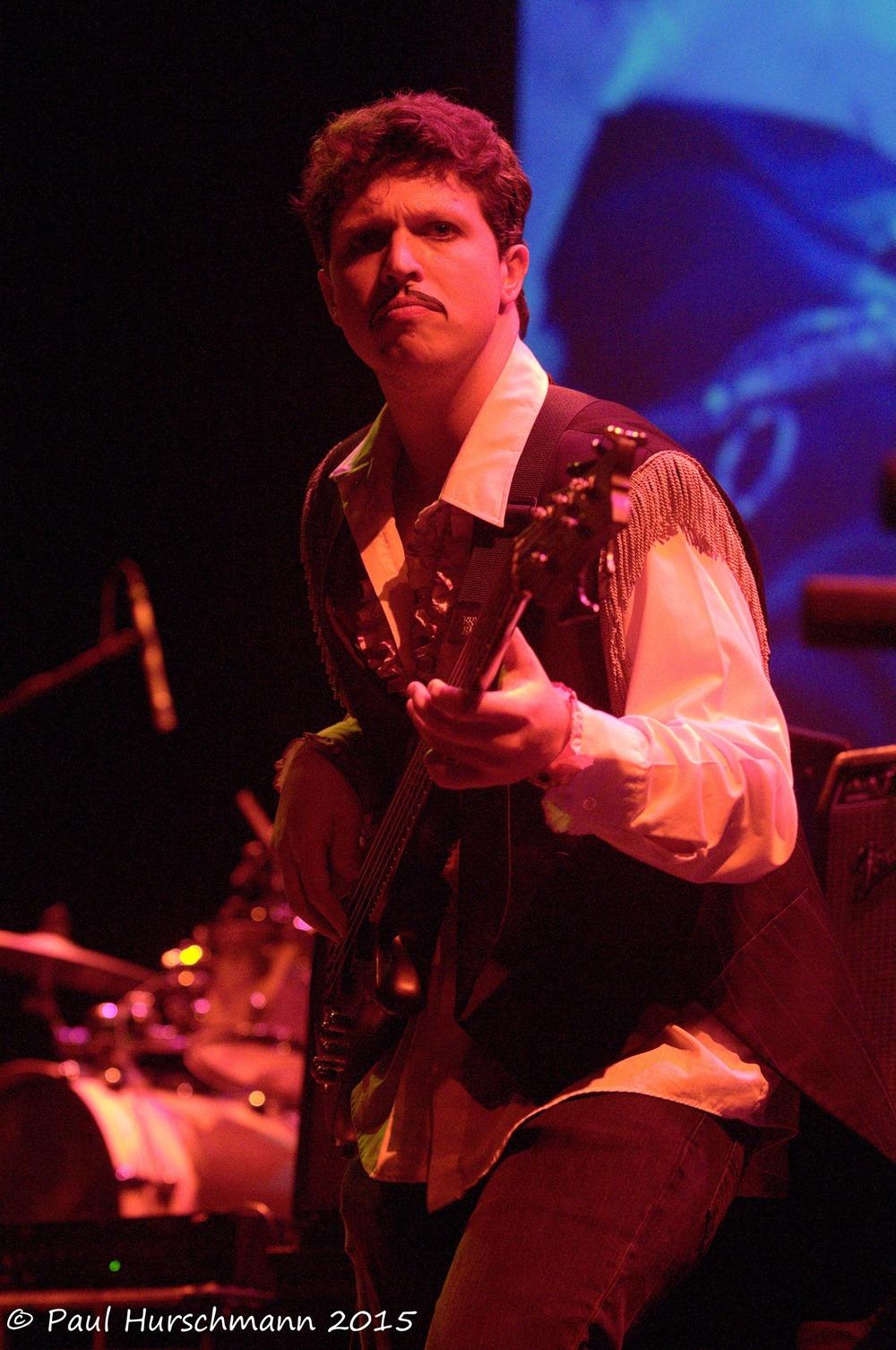 gavin-bassist-closeup.jpg