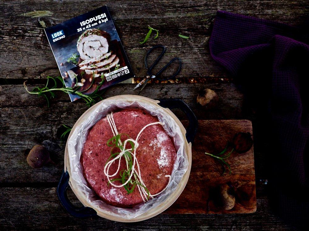 Paahdettu punajuurileipä - Kuohkea leipä valmistuu näppärästi Look-paistopussia apuna käyttäen, joten hyvästi suttu ja tervetuloa hyvä mieli.
