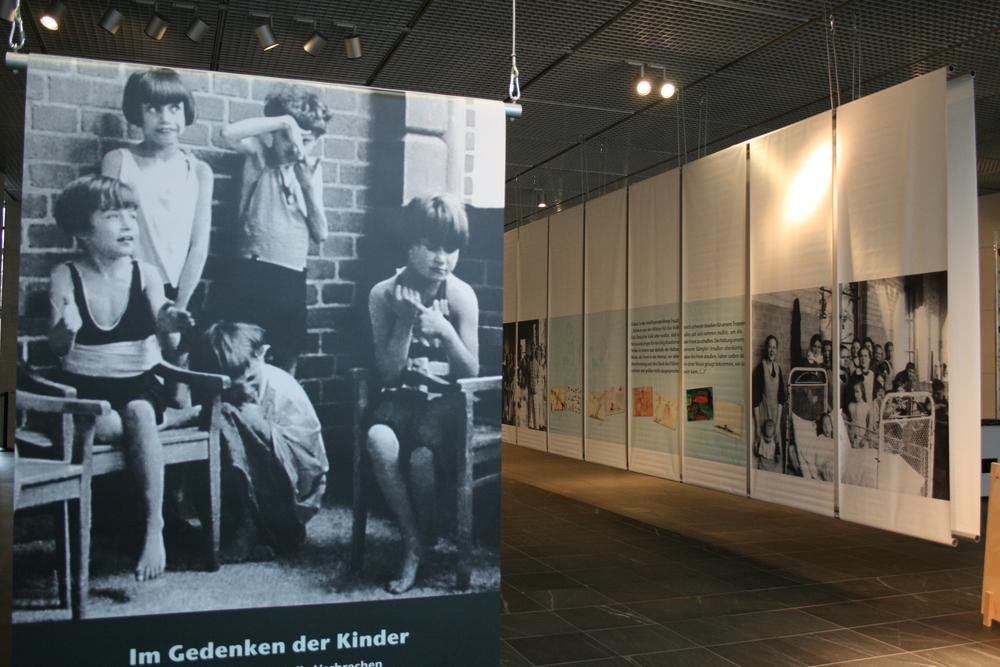 Gedenken-Kinder-Anfang.JPG