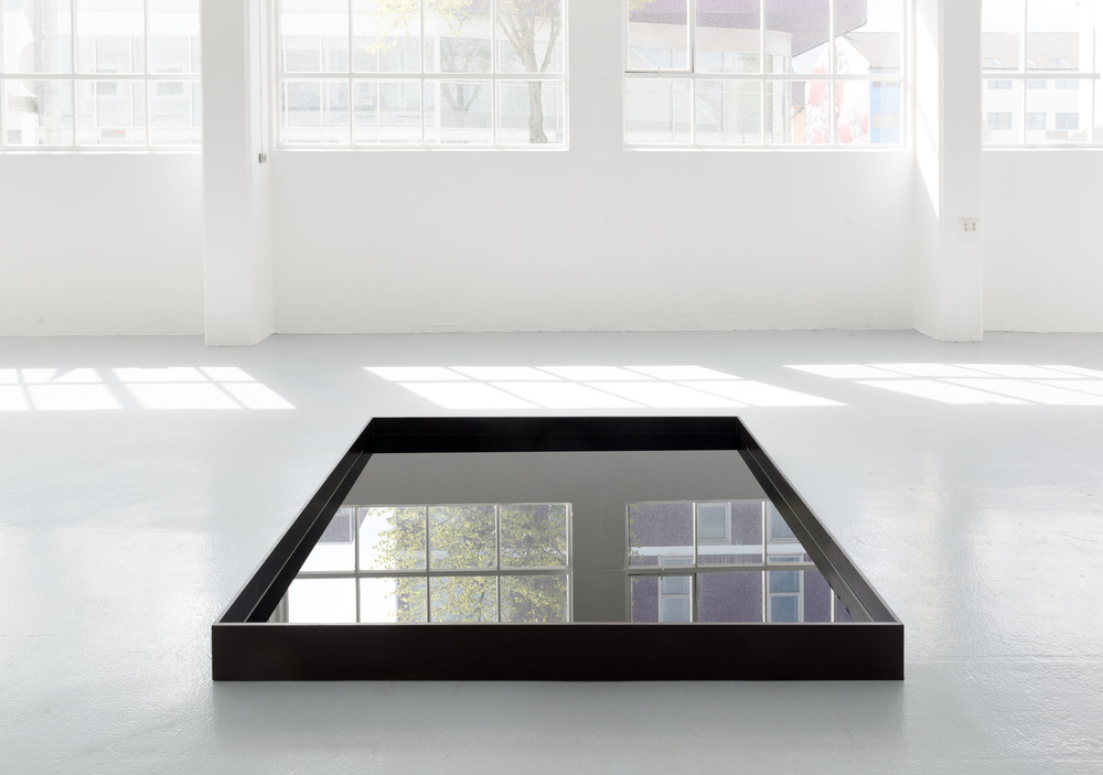 Float/black fluid  (2014), oil, plywood, 200 x 200 x 15 cm