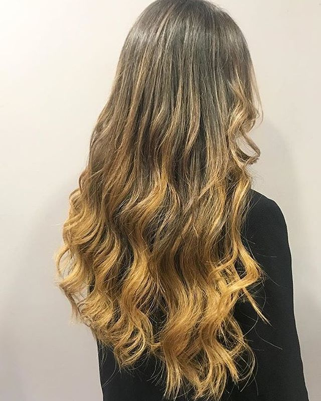 🇧🇷 Brazillian Balayage 🇧🇷 Nano ring extensions beautifully fitted and styled by our Creative Lead Stylist and Extensions specialist @jadeannison  Don't forget, you can have princess hair too by entering our FREE HAIR FITTING competition 👸 #laweave #hairextensions #beautyworksonline #princesshair #nanoringhair #balayage