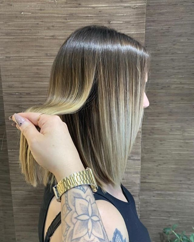 Oh we do love to see Laura work her Magic ♥️. This is everything 👏🏼👏🏼👏🏼. #balayage #aveda #avedasalon #avedaartist #nottingham #hair #nottinghamhairdresser #hairgoals #weekendvibes #inspo #vibes