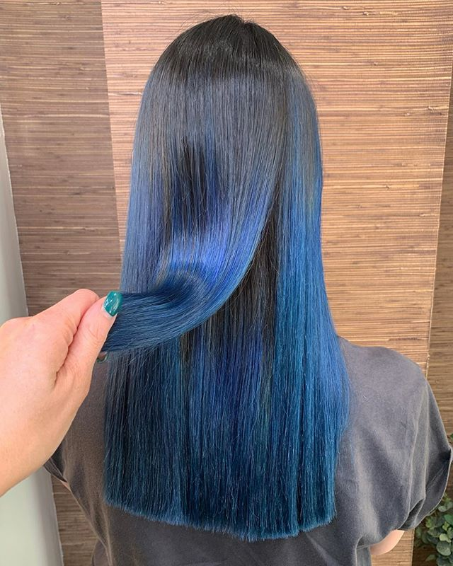 She got the skills to pay the bills 💰. • created by our Senior colour tech @nicolefkellyhair . • #bluehair #electricblue #shine #magic #avedasalon #avedacolor #avedanottingham #nottinghamsalon