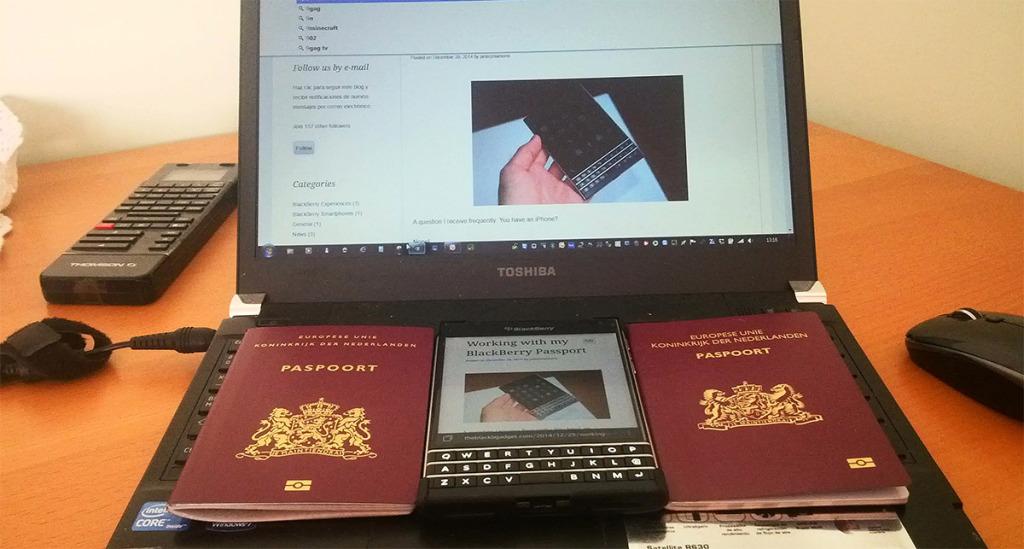 blackberry_passport_working