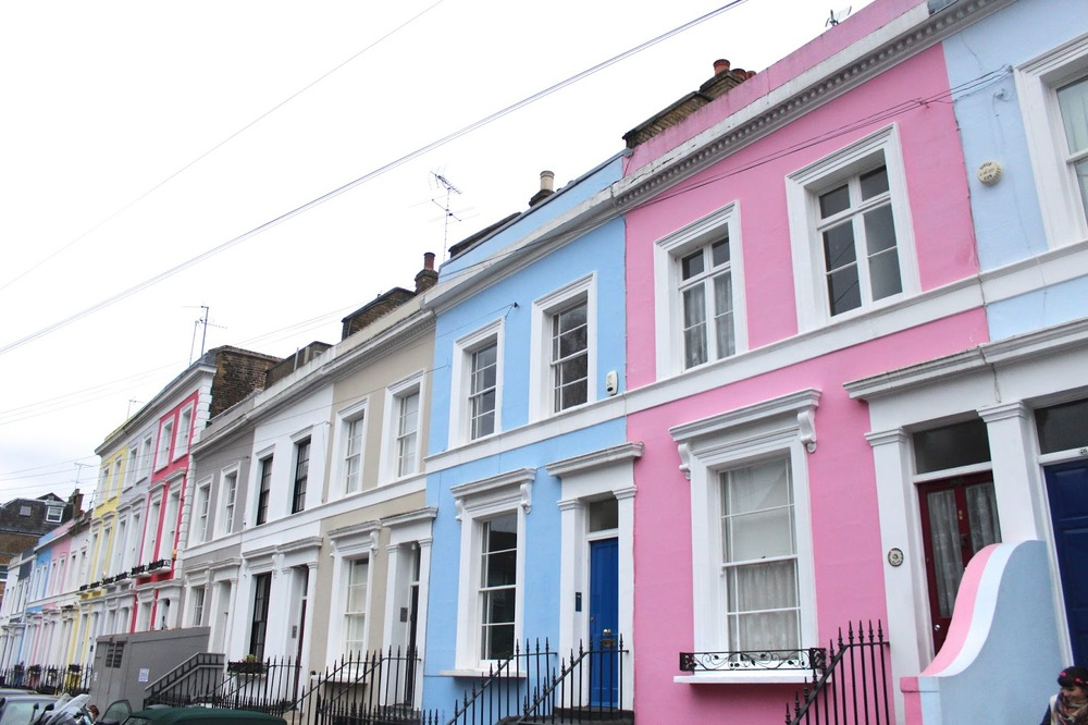 nottinghill london colorful houses