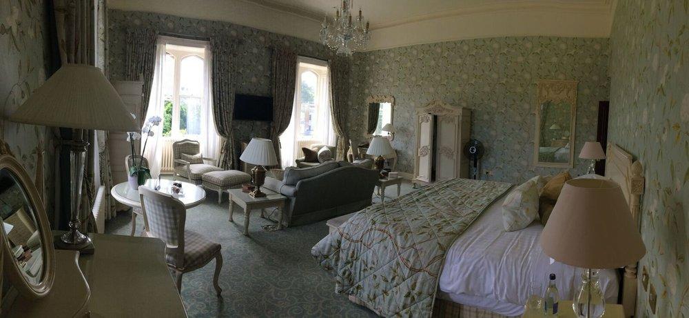 DROMOLAND BEDROOM