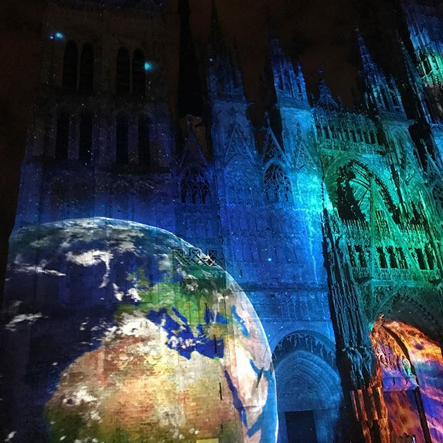 Projections on the Rouen Cathedral 😱 #makeart #tellstories #uselight #projectionart