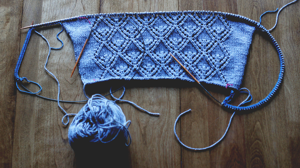 Acanthus House| Gate Pullover Casting on for Front and Back