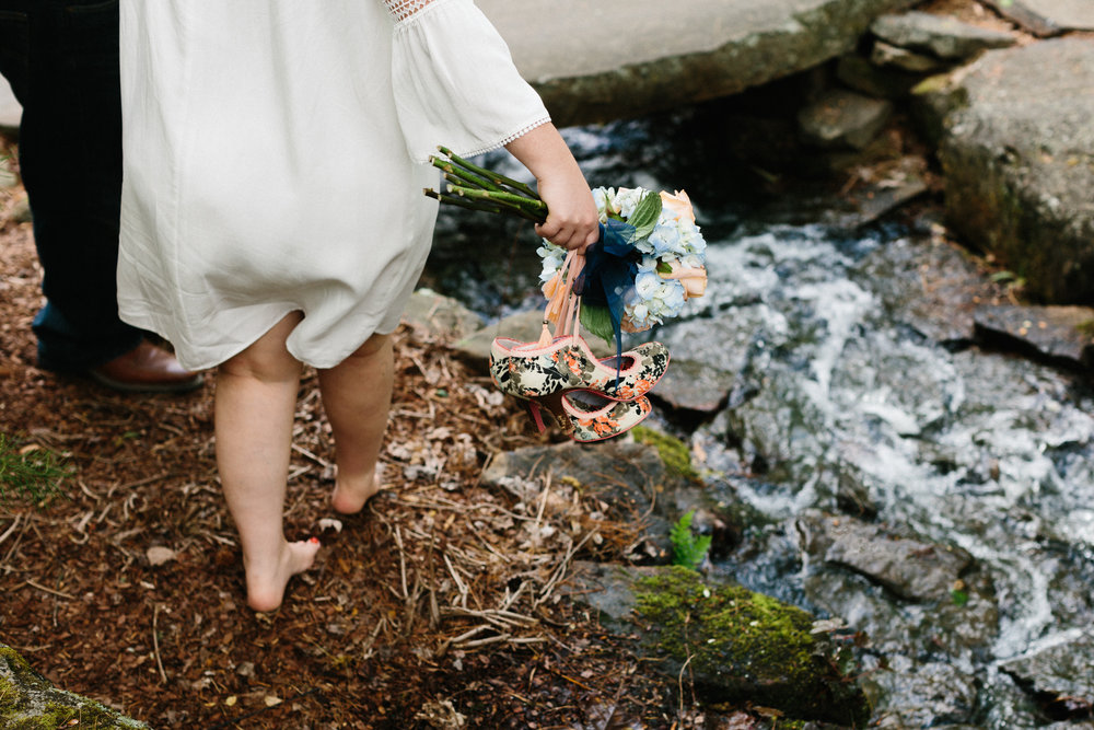 Wedding-photogrpahy-outdoors-love-adventure