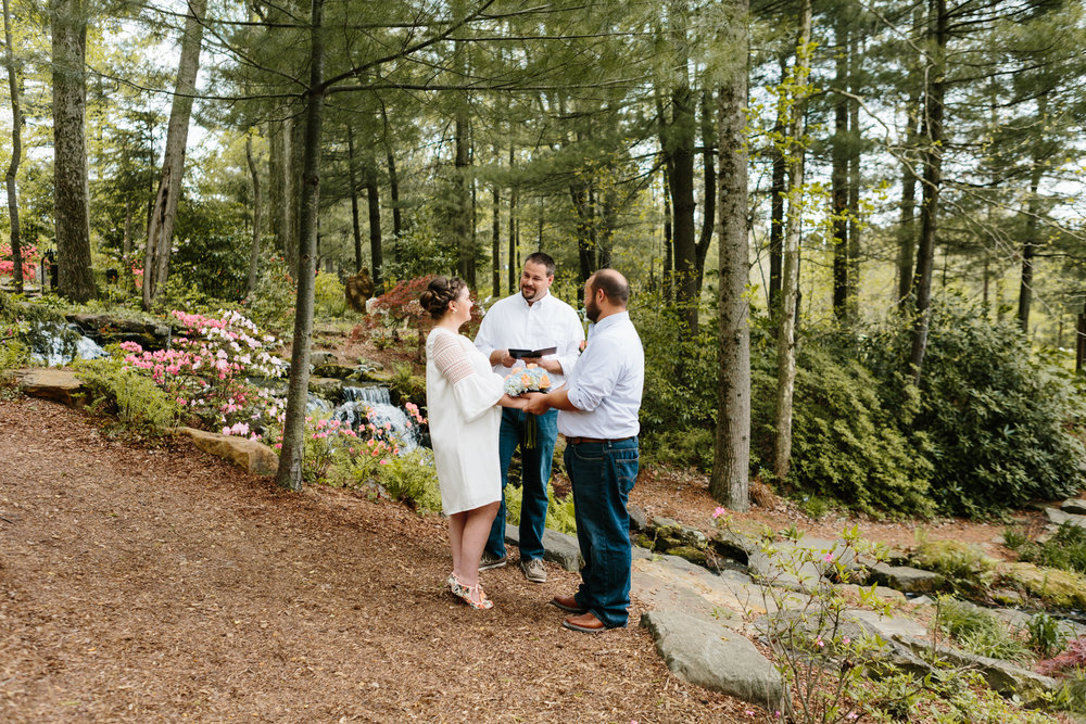 An intimate wedding elopement in Bloomington, Indiana by photographer Anna Powell Teeter.