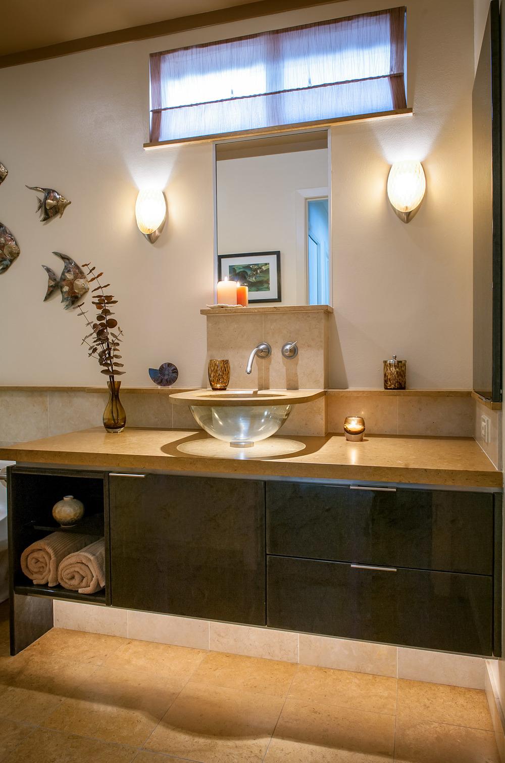A unique sink treatment.