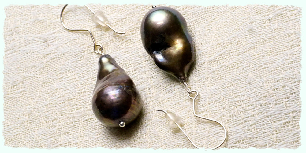 home #B ear-black baroque pearls deckle.jpg