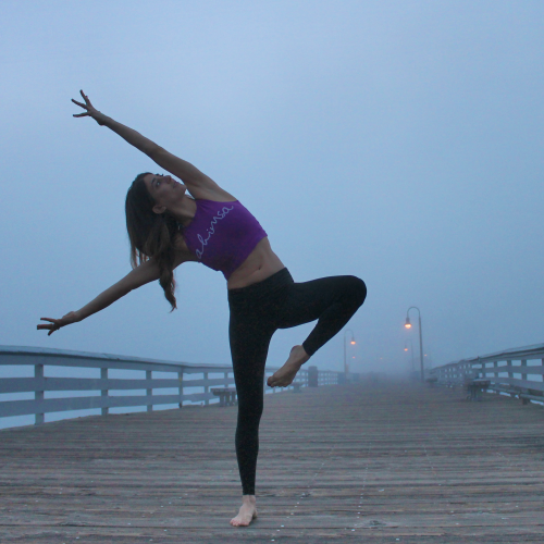 We absolutely adore San Clemente! I'm on the pier here with some sunset fog. Top is by @omsoulshop. Yogi: @rima_danielle.