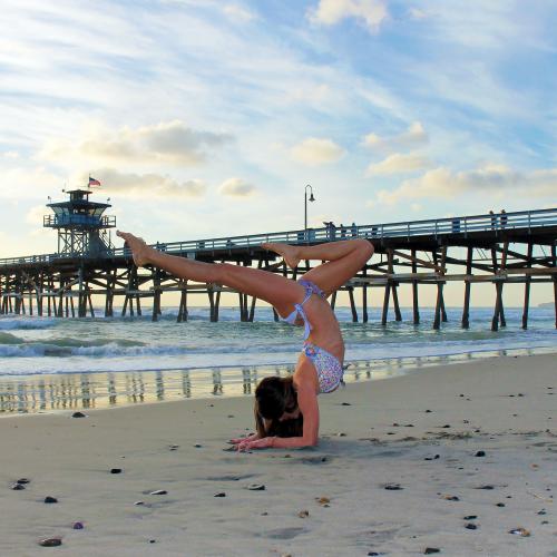 Yogi: @rima_danielle, Bikini: @floriditaswimwear