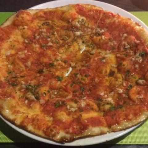 Vegan flatbread (garlicky!) pizza in Phuket.