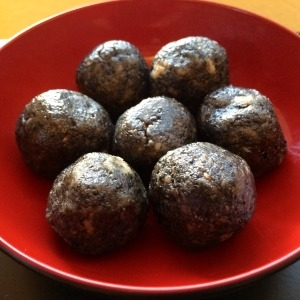 Honey-sesame-walnut-spice-balls.jpg