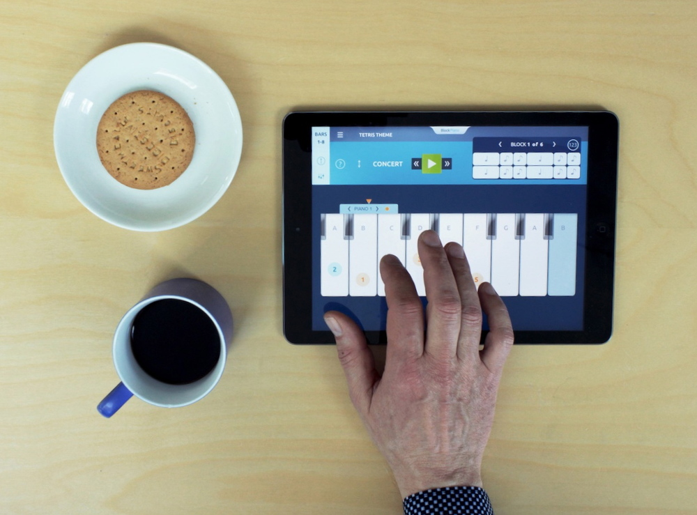 Learn to play the piano with your ipad anywhere