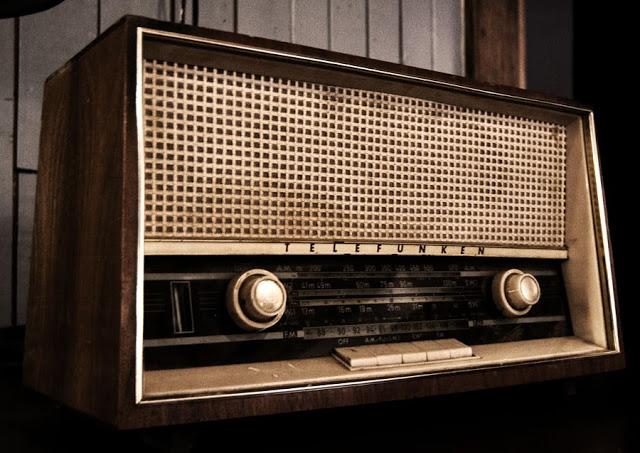 A TELEFUNKEN radio