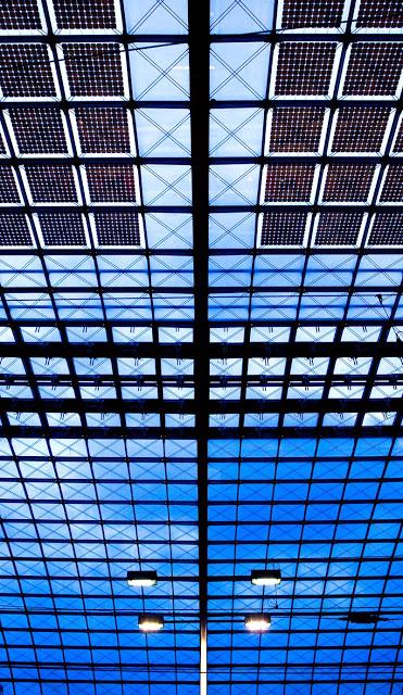 Berlin Hauptbahnhof shot in 2008.