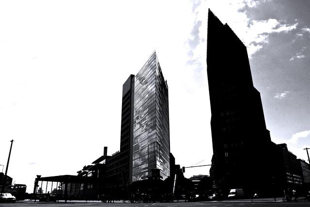 Potsdamer Platz Intersection shot by Dennis Marciniak