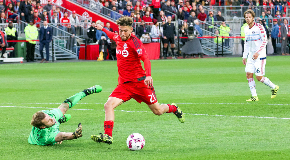 Jonathan Osorio about to score the match winning goal in Toronto FC's final match of the season.