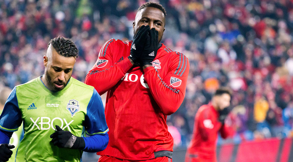 Jozy Altidore in disbelief at a goal scoring opportunity that Stephen Frei shutdown during the 2016 MLS Cup at BMO Field. Photo by denMAR Media.