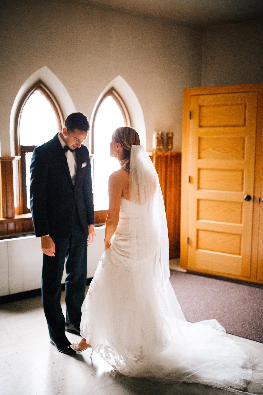 Twin Cities Traditional Wedding Photographer