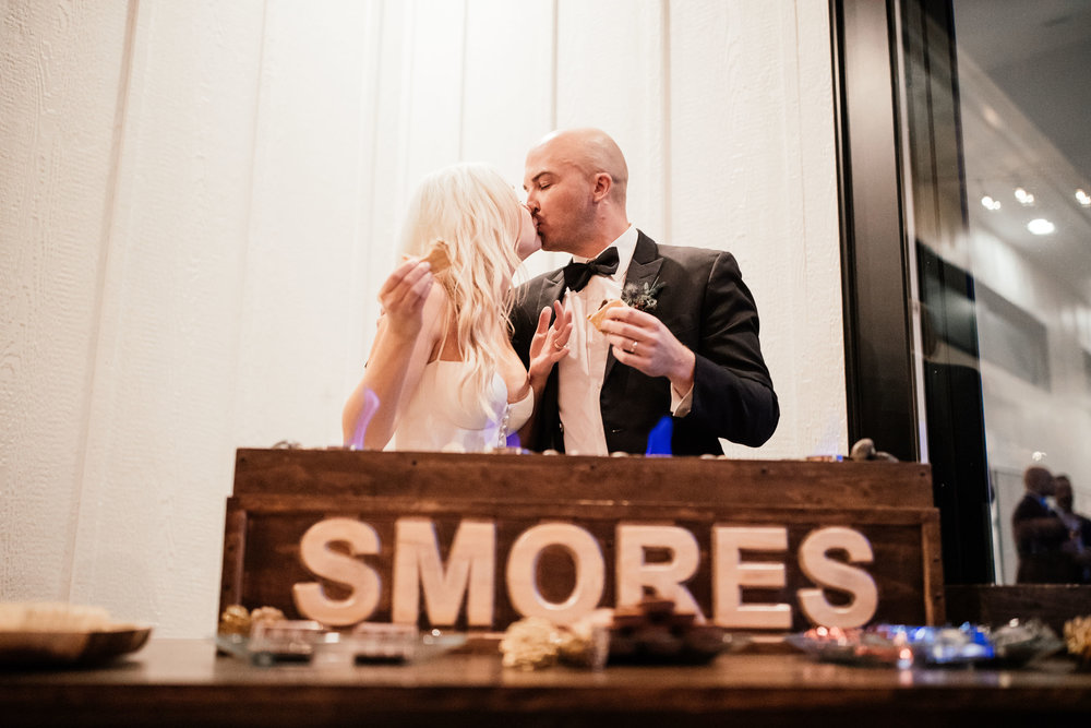 Minneapolis Top Wedding Photographer