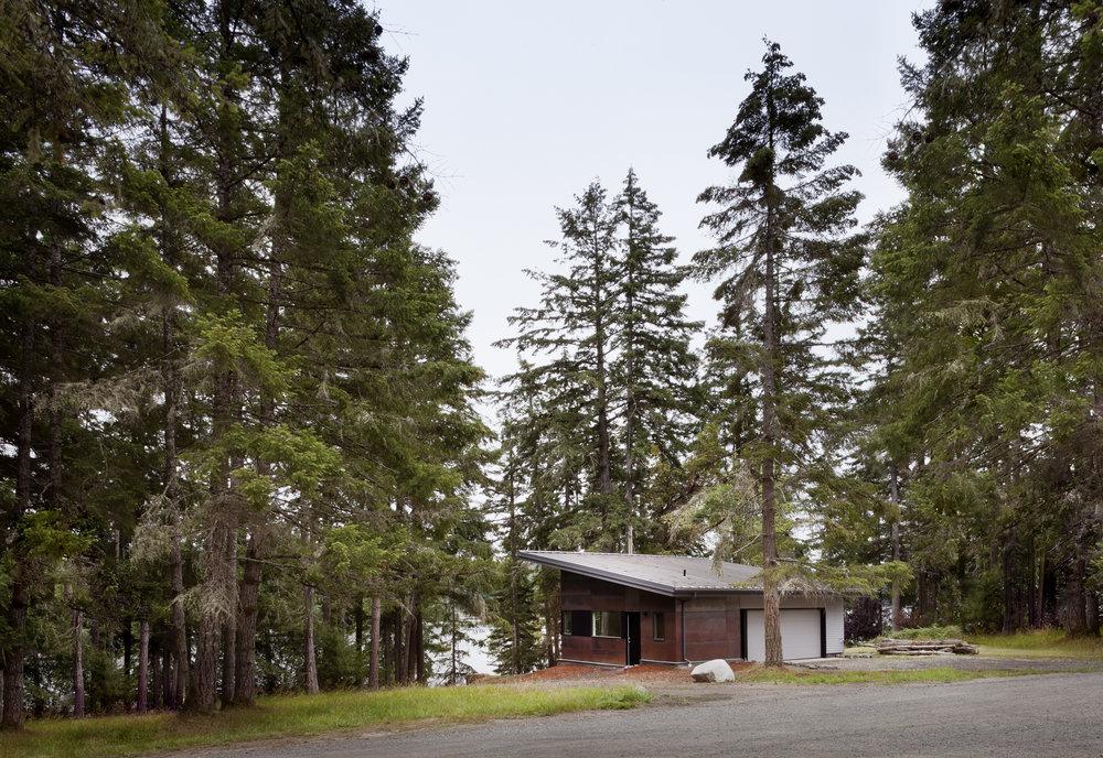 Herron Island Cabin_TBp 001-WEB.jpg