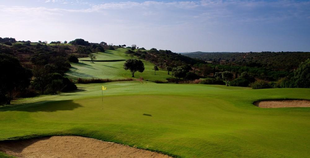 Espiche Golf_#11 from Behind Green_D823624 web.jpg