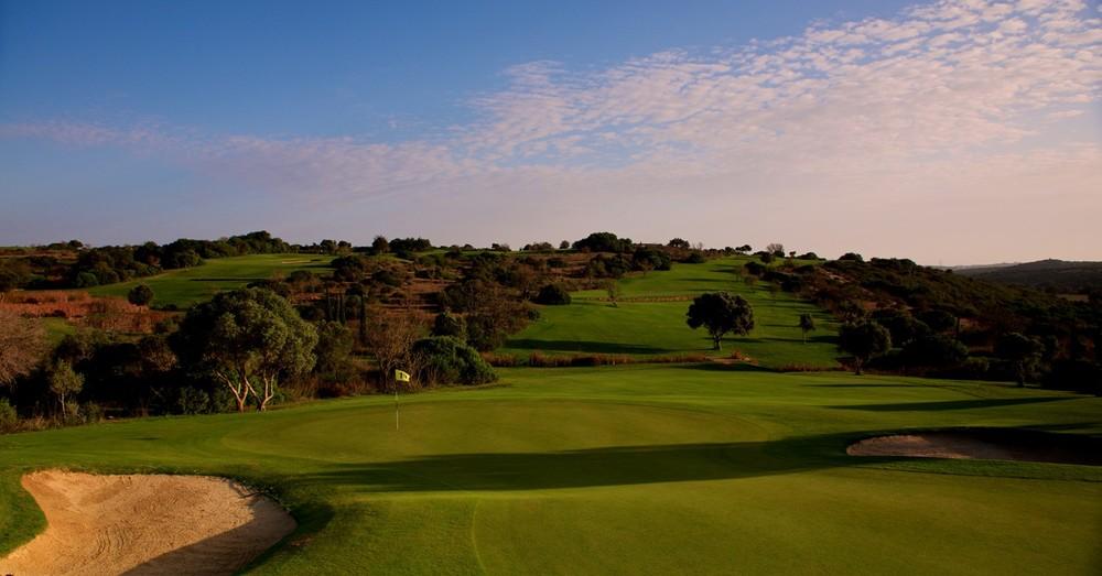 Espiche Golf_#11 from Behind Green_D823686 web.jpg