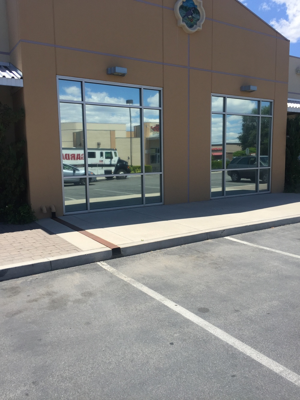 COMMERCIAL WINDOW TINT RENO.JPG