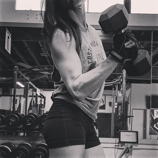 Rock your arms and shoulders. You've earned it! #armday #balance #fitnessmotivation #soreisthenewsexy #womenwholift #tinybutmighty #pumpingiron #tgif #wegotthis