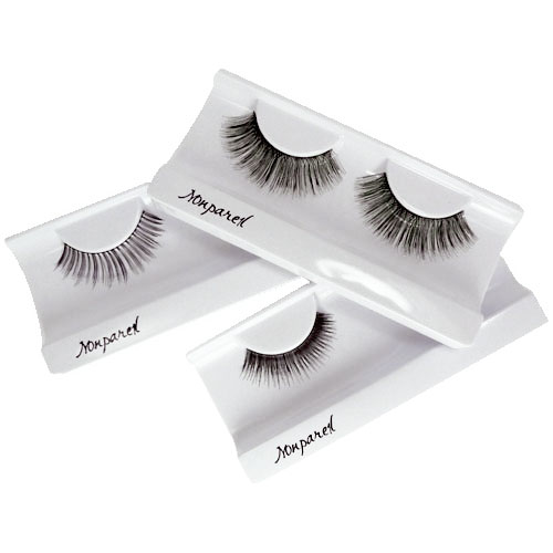 The False Eyelash Look    False lashes can be a pain, not to mention time consuming! Here are a few ways to get the look without the hassle:    2. Apply two coats of mascara to the bottom and TOP side of your lashes, but wait 3-5 minutes in between each coat, otherwise they tend to get clumpy (not cute).    3. When applying your mascara, you don't want to just move your mascara wand from the base of your lashes up. Make sure you are moving the mascara wand back and forth while going up. The left and right motion will make sure every lash is covered entirely, all the way to the tip.    4. Almost done! Now, check your lashes for