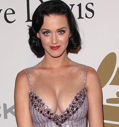 katy-perry-cleavage.jpg