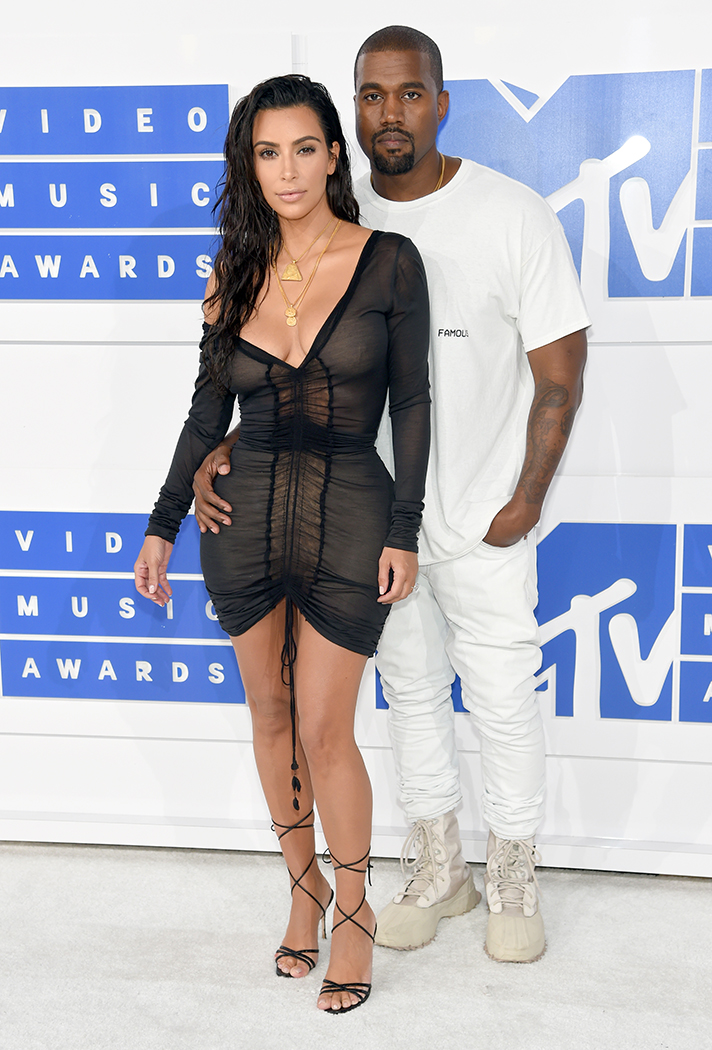mtv-vma-red-carpet-2016-kim-kardashian-kanye-west.jpg