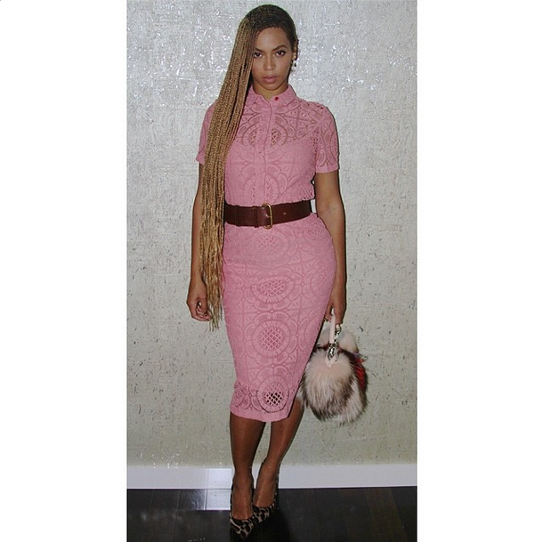 beyonce-burberry-pink-lace.png