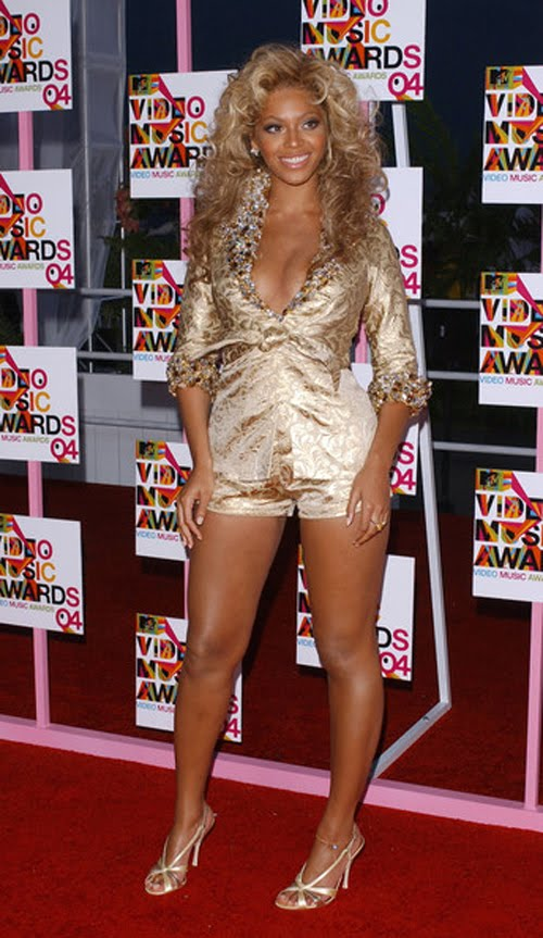 Beyonce Knowles Fashion Style - Suits Short Suit.jpg