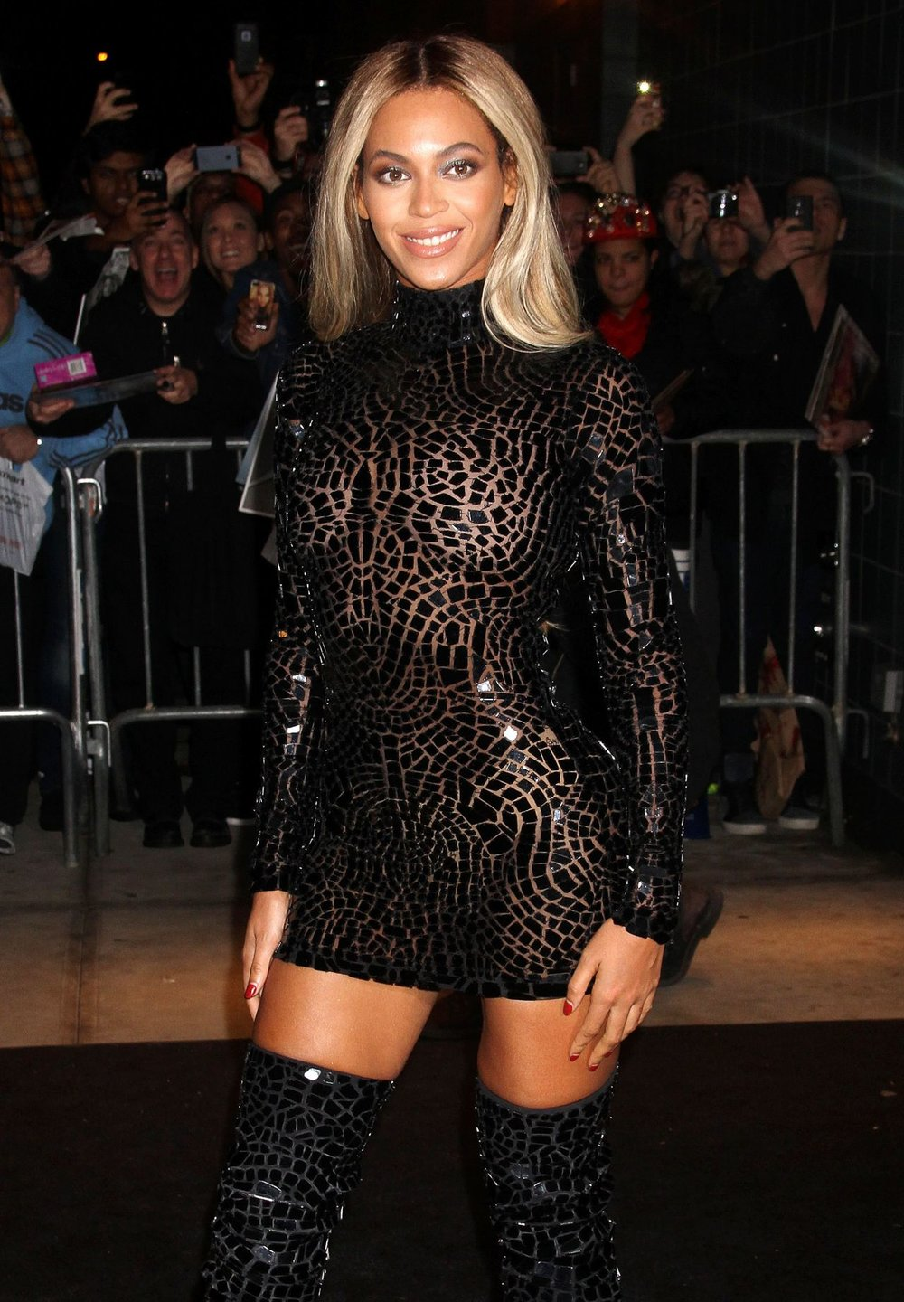 beyonce-knowles-style-for-a-party-for-her-new-album-at-sva-theater-in-new-york-city_1.jpg