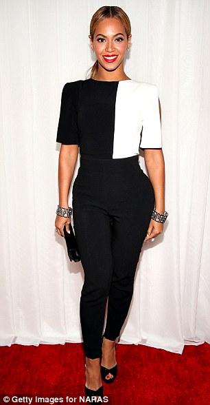 1414412411501_wps_8_Beyonce_arrives_at_the_55.jpg