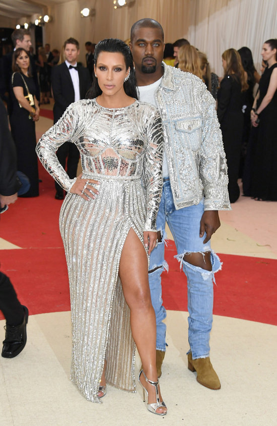 Kim-Kardashian-Kanye-West-Met-Gala-2016-Red-Carpet-Fashion-Balmain-Tom-Lorenzo-Site-2.jpg
