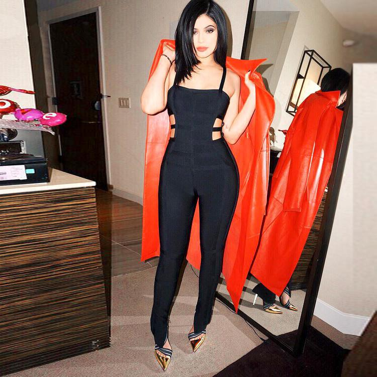 c7029869fa Fashion Trend  The One Piece Jumpsuit Will Never Go Out of Style Fashion  Nova