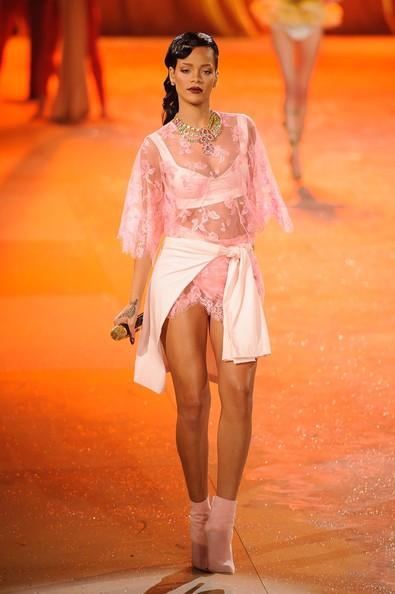 Rihanna+2012+Victoria+Secret+Fashion+Show+Gz9KC0YHWUvl.jpg