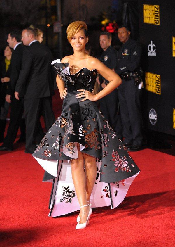 rihanna-2009-american-music-awards-in-los-angeles.jpg