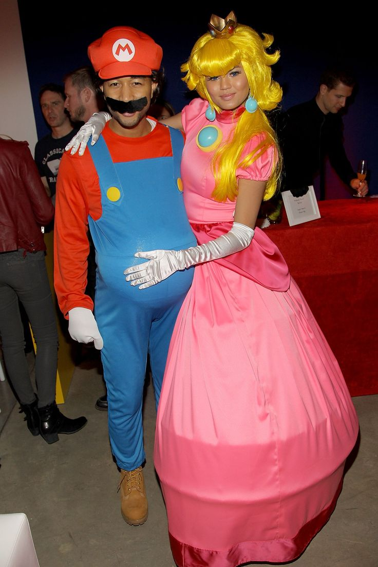 John Legend &Chrissy Teigen - The Beautiful Couple dressed up  Super Mario Bros.Pic Source: Justjared.com