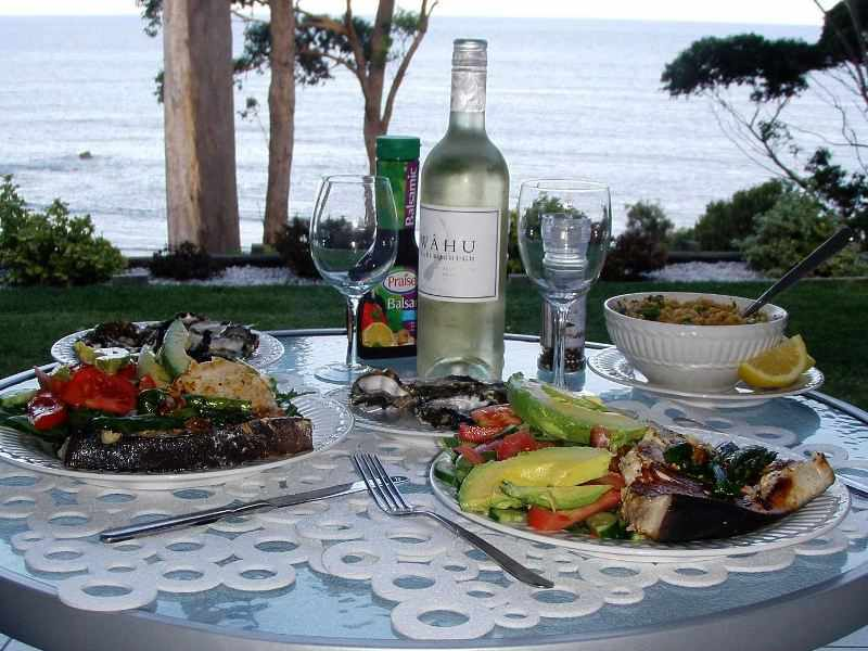 romantic-accommodation-in-mollymook-Sunset-Seafood-BBQ[1].jpg
