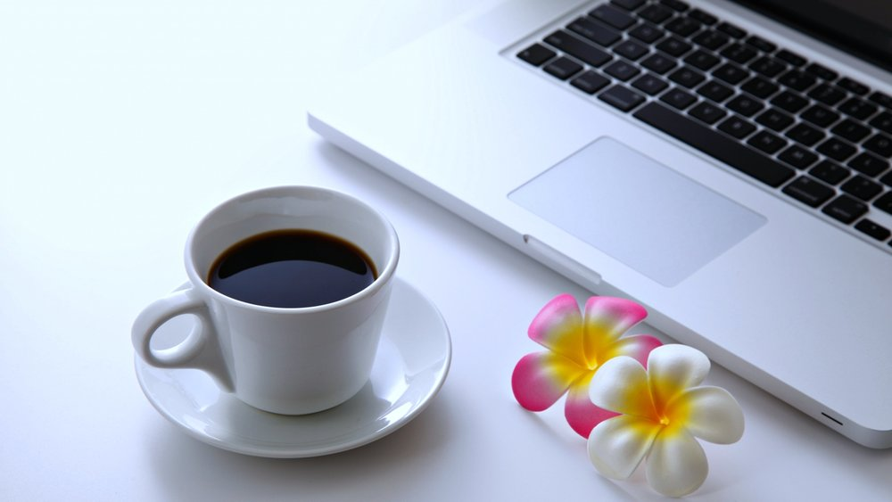 Free-coffee_flowers_laptop_desktop_pc_computer_relax_net_3840x2160.jpg