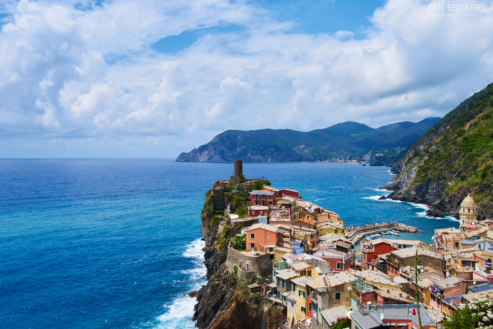After around 4 hours of hiking, Vernazza comes into sight.