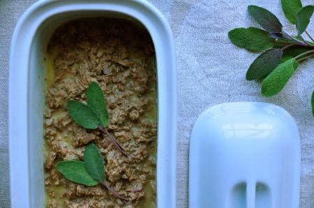 Terrine de foies de poulet riche en vitamine A.